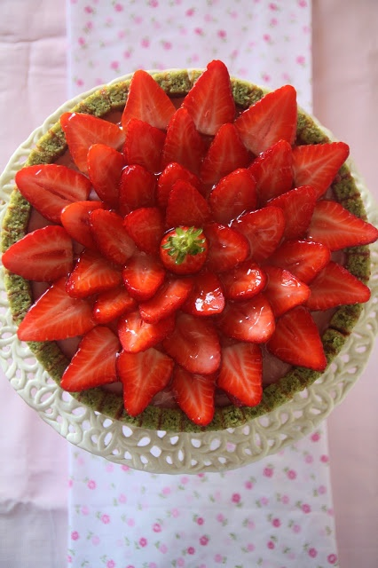 Strawberry and pistachio Charlotte | Favorite Recipes | Pinterest