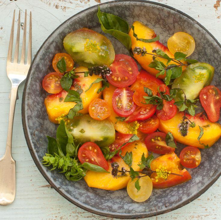 Peach & Tomato Salad with Basil Dressing | delish side dish | Pintere ...