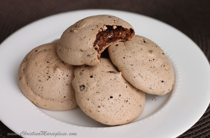 chocolate chip marshmallow meringues | food - to try | Pinterest