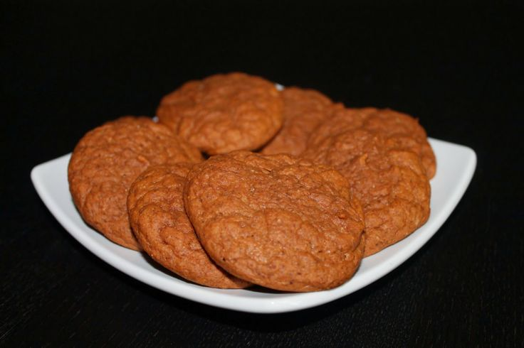 Pumpkin Protein Cookies. 250 calories for 8 plus 30 grams of protein ...