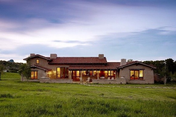 Big Ranch Stucco With Lots Of Windows For The Home Pinterest