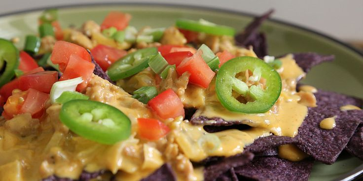 ... chile con queso revved up the pioneer woman chile con queso revved up