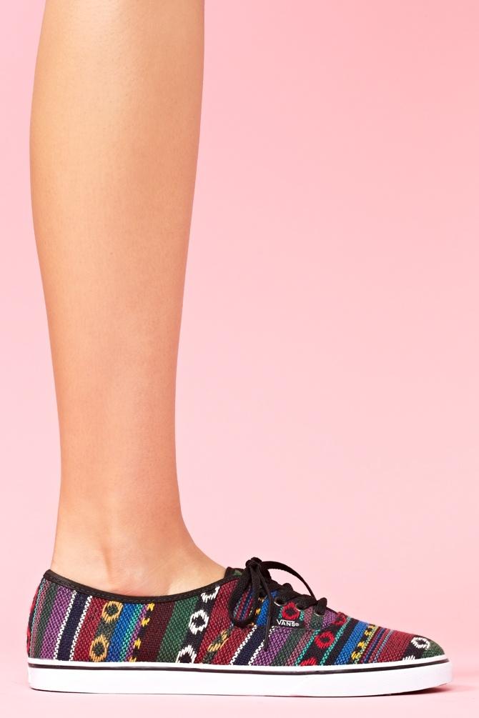أحذية كيوت ..~  أحذية رياضية ..~  شنط وأحذية
