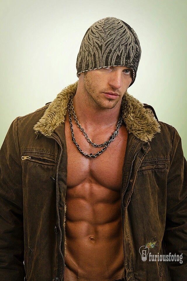 ... hunk hot guy nice arms male body musculoso man men shirtless eye candy