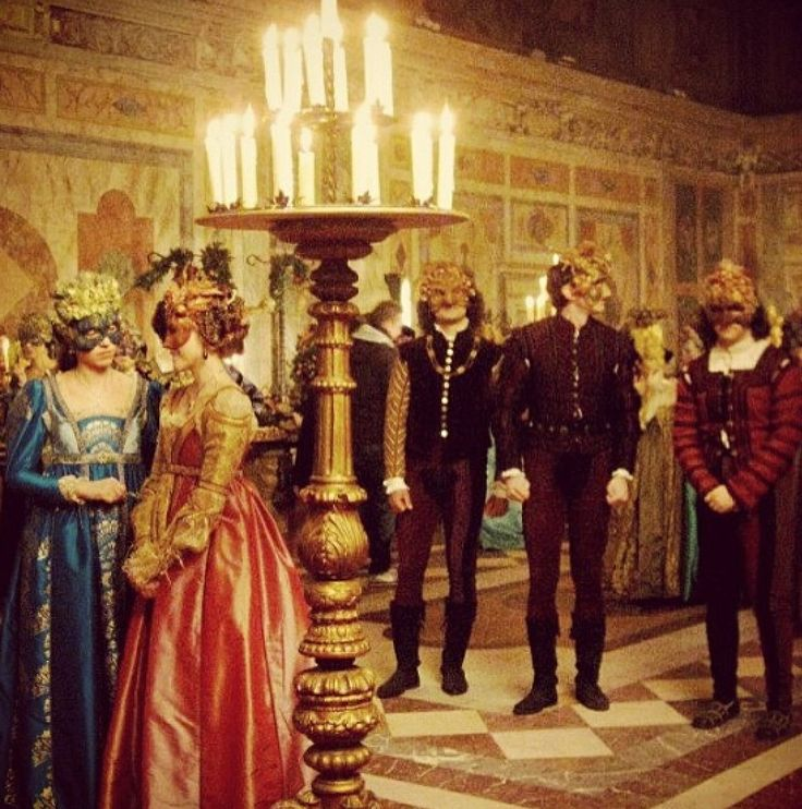capulet party description Once romeo montague (leonardo dicaprio) arrives at his family's sworn enemies the capulet's fancy dress party, his fate is sealed from the moment he first lays eyes on the beautiful juliet capulet.