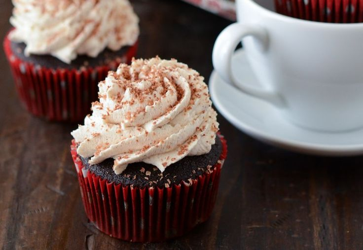 Mexican Hot Chocolate Cupcakes with Cayenne Spiced Whipped Cream | Re ...