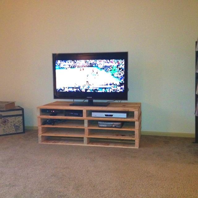 diy tv stand diy woodworking projects. Black Bedroom Furniture Sets. Home Design Ideas