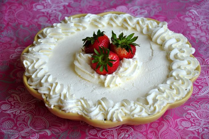 strawberry cake with whipped cream | whip cream | Pinterest