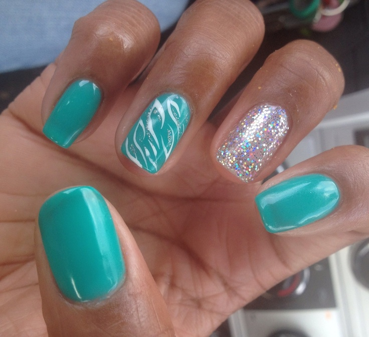 My most recent nail escapade at Jennifer Nails in Bellevue! Turquoise
