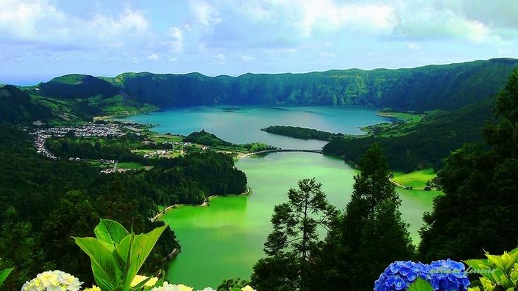 Lagoa das Sete Cidades na ilha de São Miguel, Azzorre