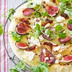 fig and goat cheese pizza | My Kind of Food | Pinterest