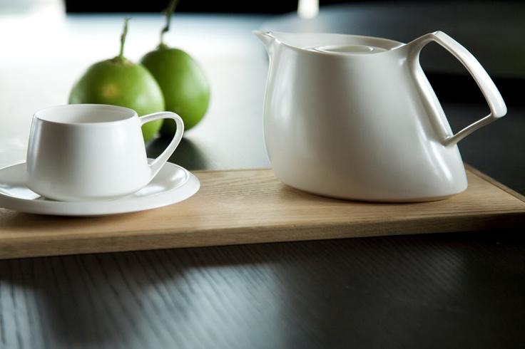 Ovo teapot, cup and saucer