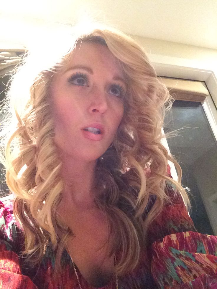 love the NuMe curling wand. Dis wonders for my hair tonight :)
