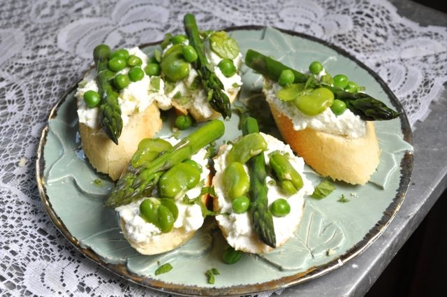 Bruschetta with fava beans, peas, asparagus and sheep's milk ricotta