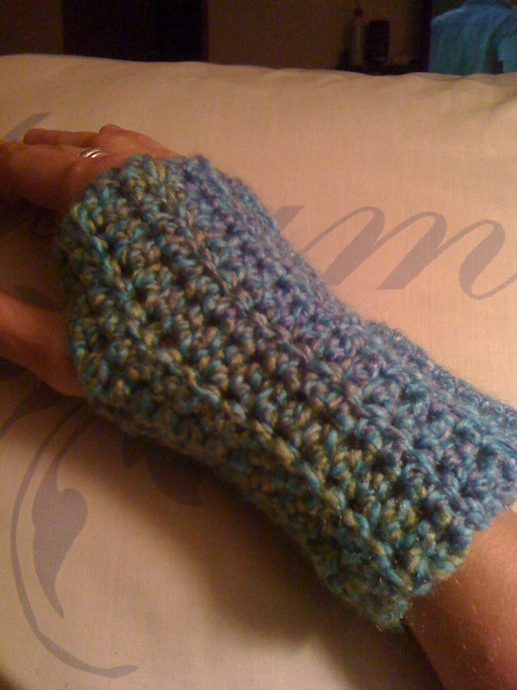 Crocheting By Hand : Crochet hand warmers! Just messing around one night with a hook and ...