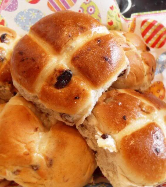 Hot cross buns - Easter tradition | Easter | Pinterest
