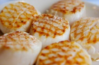 INGREDIENTS: 1 1/2 cup bay scallops 1 1/2 tablespoon butter 2 cloves ...