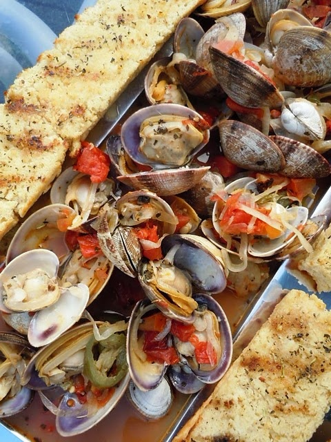 Spicy drunken clams. Great appetizer idea!