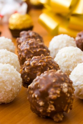 Easy Decadent Truffles as a Christmas Food Gift - A Pinch of This, a ...