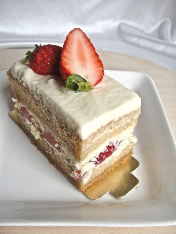 Japanese Strawberry Shortcake | Yummy! | Pinterest