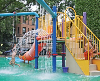 Look at that fun water fountain. Via Chicago Parent