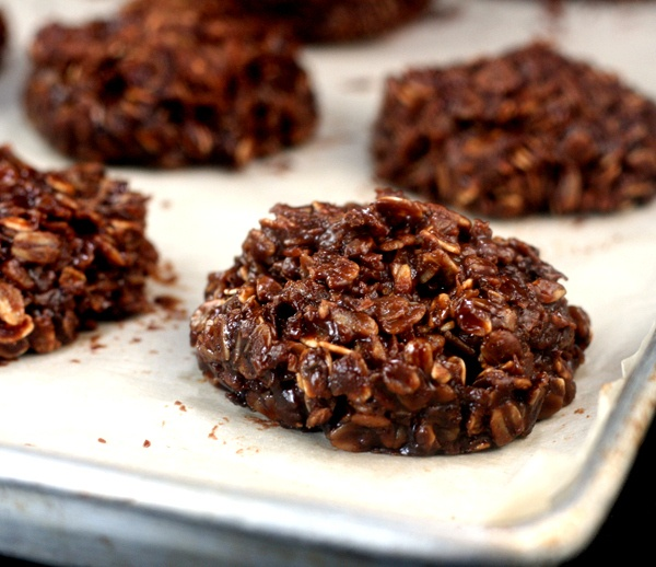 "No-Bake Nutella Cookies!!! My husband makes the ""traditional"" pb on..."