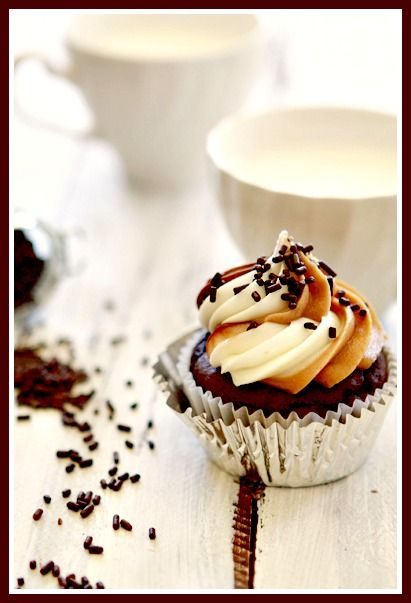 Cupcakes with Nutella, Almond Butter and Vanilla Cream Cheese Frosting ...