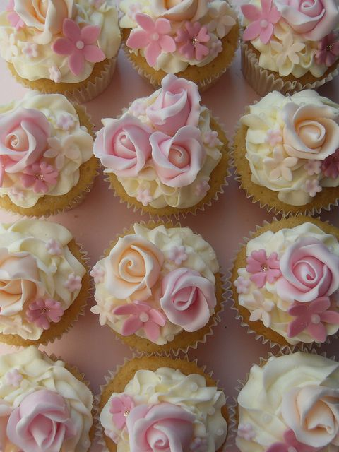 Peach and pink cupcakes by Cotton and Crumbs.