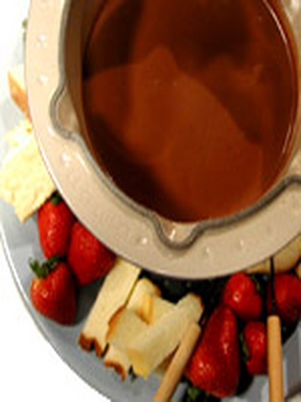 Chocolate-Almond Pudding Fondue | Recipe