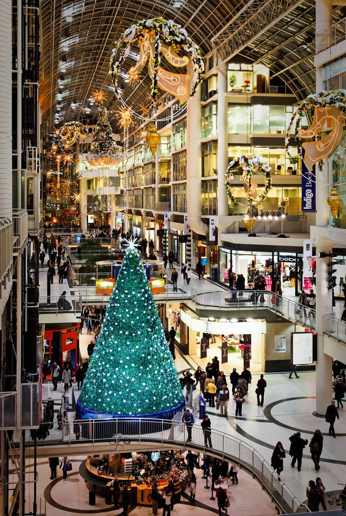 Holiday Shoppers at Toronto's Eaton Centre jigsaw puzzle in Christmas