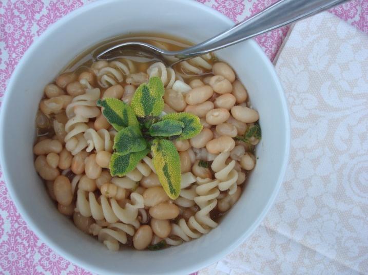 white beans & pasta | Vegetarian/Allergy free dishes | Pinterest