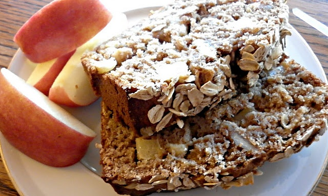 Apple cinnamon oatmeal bread...so good! | FOOD FOOD FOOD | Pinterest