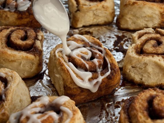 Weekend Baking: Quick Cinnamon Buns with Buttermilk Glaze l Once Upon ...