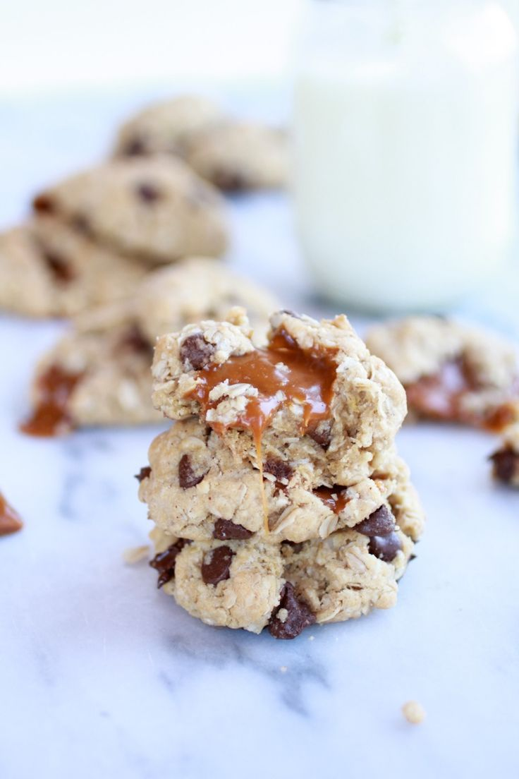Burnt Peanut Butter Caramel Oatmeal Chocolate Chip Cookies | Recipe