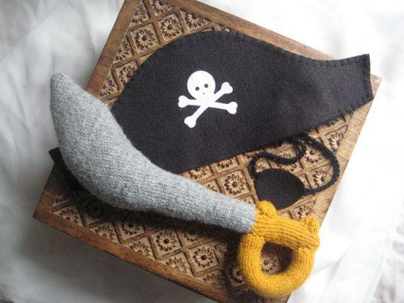 Pirate Sword PDF KNITTING PATTERN, stuffed toy