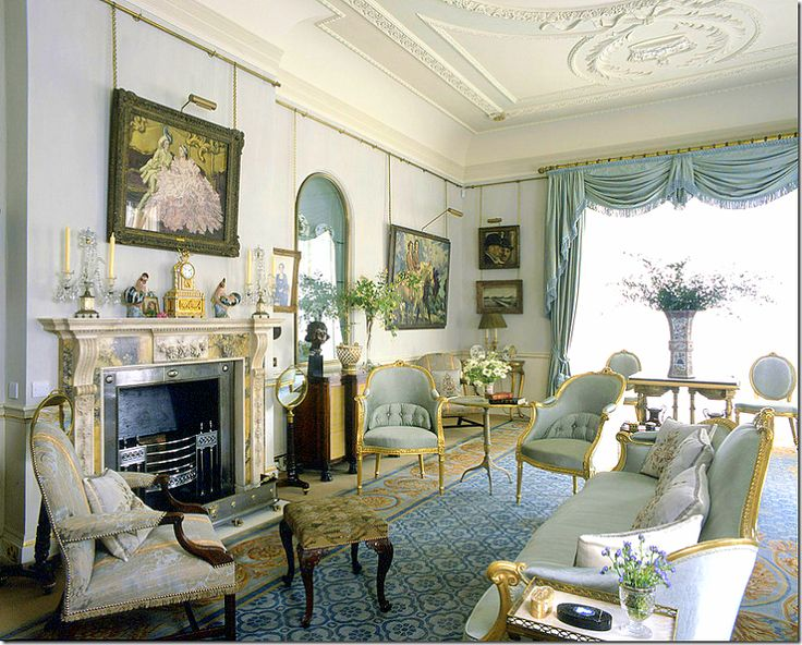 Clarence house the sun never sets pinterest for Royal interior living room