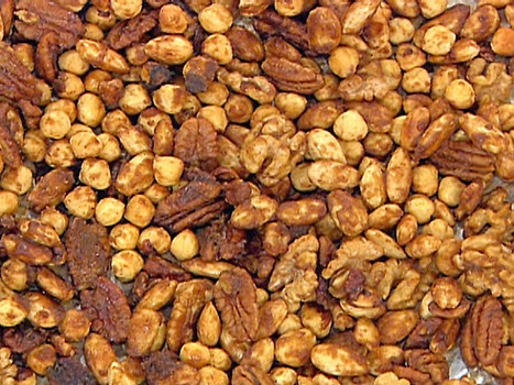 ... spicy or spicy and sweet: Spiced nuts make a delicious holiday gift