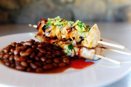 Maple glazed chicken kabobs with sweet jalapeno salsa. I can totally ...