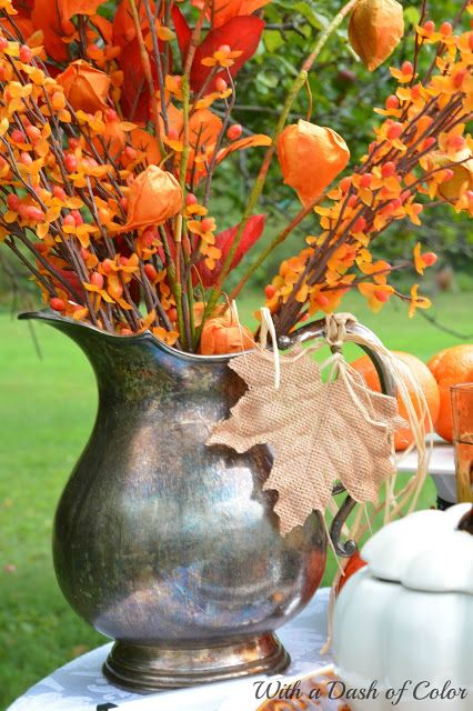 With a Dash of Color: A Simple Autumn Tablescape