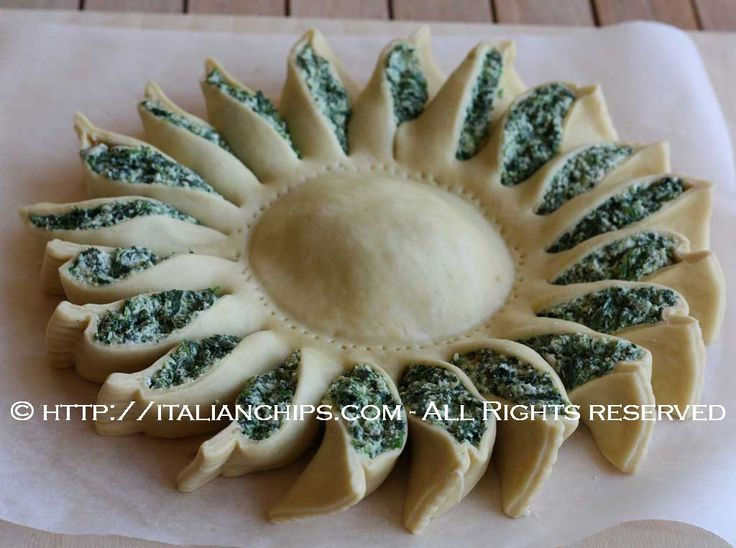 spinach pie, I'm going to improvise and use puff pastry dough and my ...