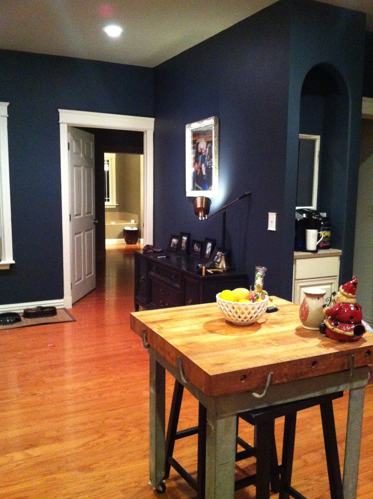 Benjamin Moore 39 S Hale Navy Paint Colors Pinterest