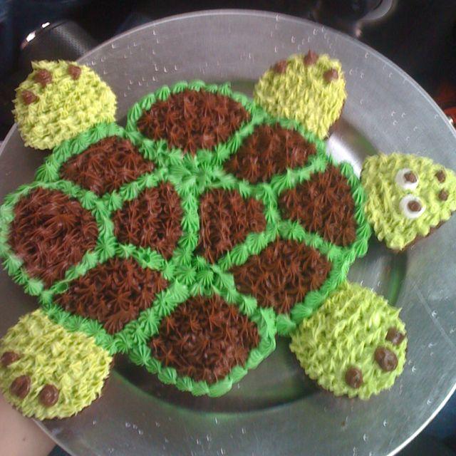 Turtle pull apart cake | Food: Cupcake--cakes | Pinterest