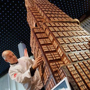 Tallest Chocolate Sculpture  Renowned pastry chef Alain Roby constructed a 20-foot chocolate replica of three New York City skyscrapers.