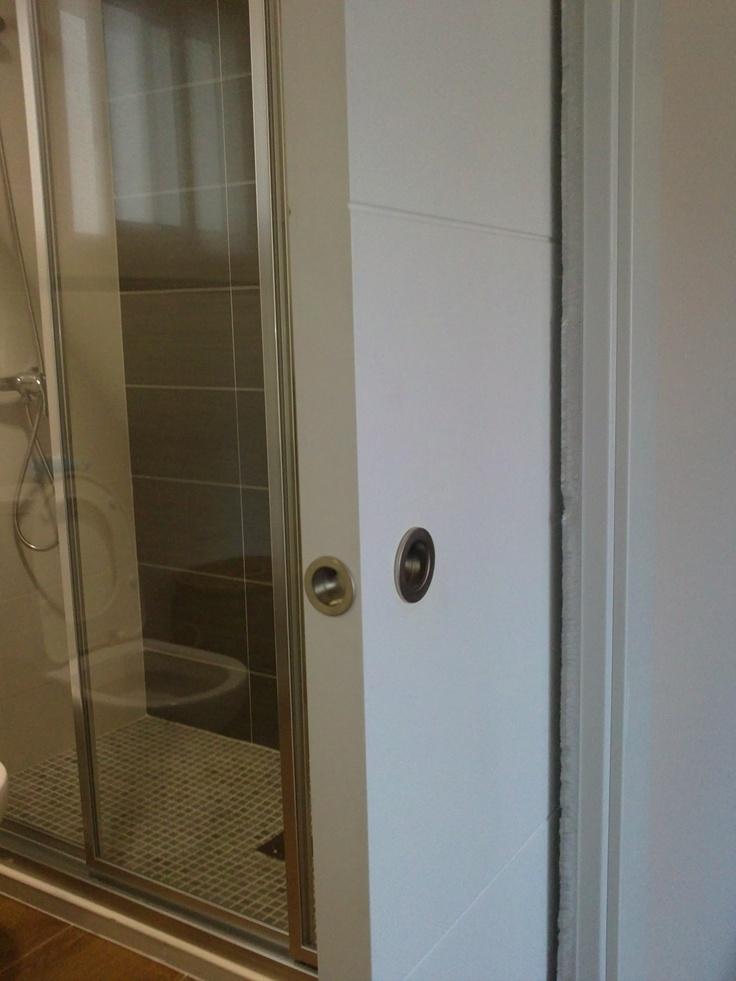 U eros acero en puerta corredera detalles pinterest for Puertas correderas sodimac