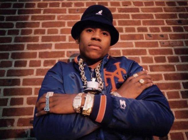 90s Hip-Hop Fashio...