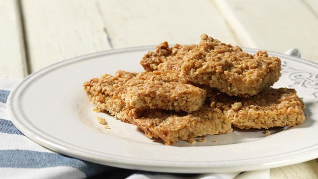 Rachel Allen: Honeyed oatmeal biscuits | Bars & brownies | Pinterest
