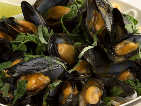 Thai Red Curry Mussels Recipe