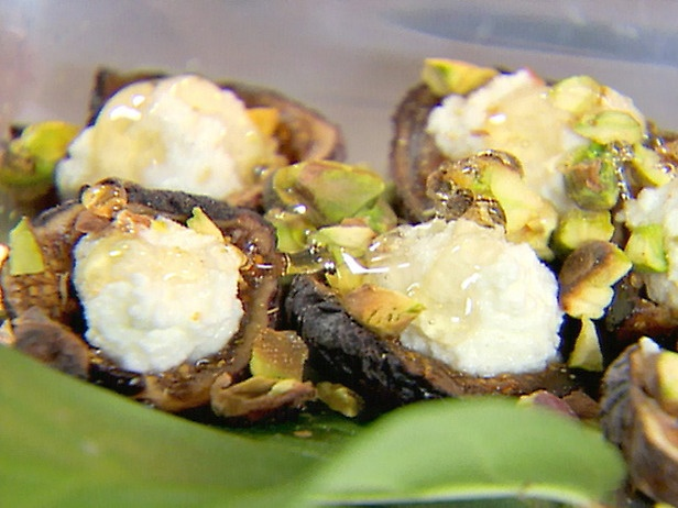Figs with Ricotta, Pistachio, and Honey | Recipe