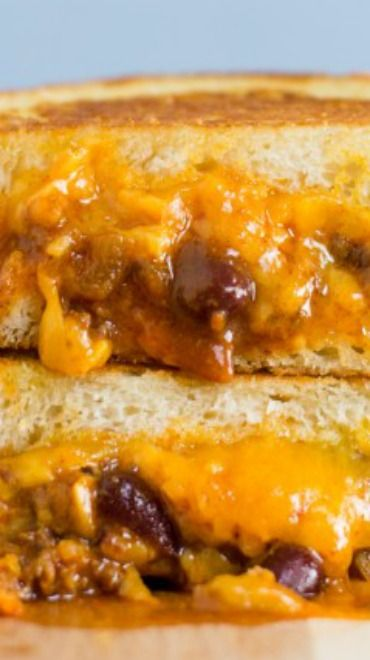 Chilli Cheese Grilled Cheese. my two favourite things