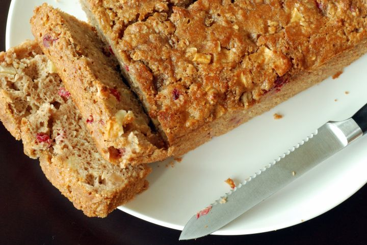 hearty apple cranberry loaf | s w e e t | Pinterest